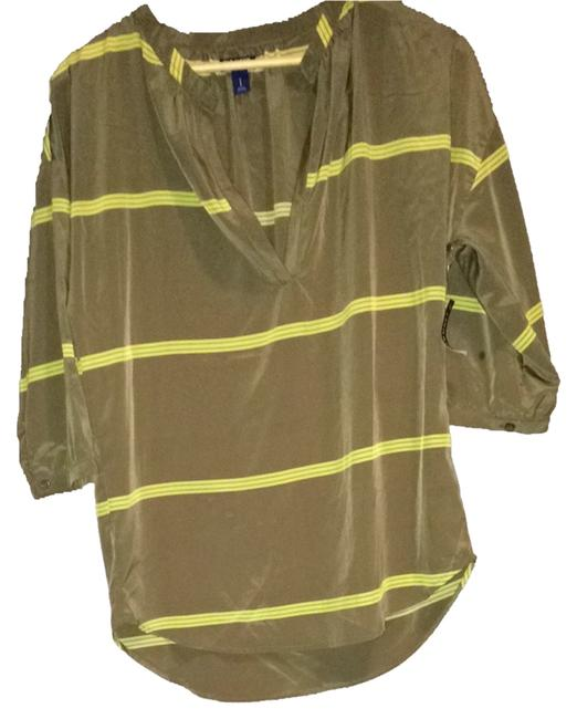 Preload https://item3.tradesy.com/images/old-navy-dark-olive-green-blouse-size-4-s-1489192-0-0.jpg?width=400&height=650