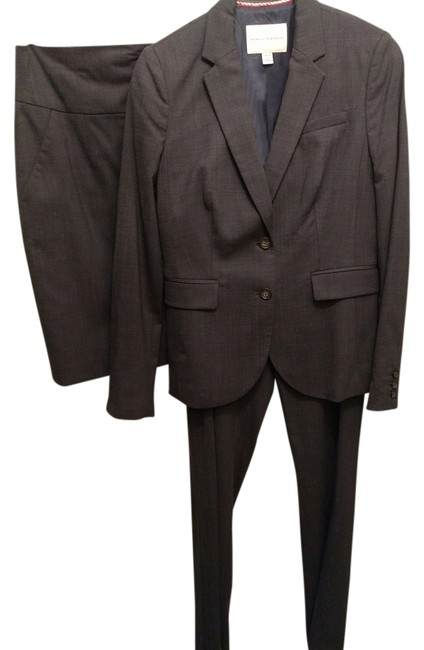 Preload https://item1.tradesy.com/images/banana-republic-navy-lightweight-wool-martin-and-skirt-3-piece-set-pant-suit-size-6-s-14892055-0-2.jpg?width=400&height=650