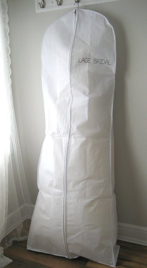 Preload https://item5.tradesy.com/images/white-breathable-wedding-gown-dress-garment-bag-by-lace-bridal-14892139-0-1.jpg?width=440&height=440