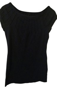 Theory Pintuck Flattering T Shirt Black