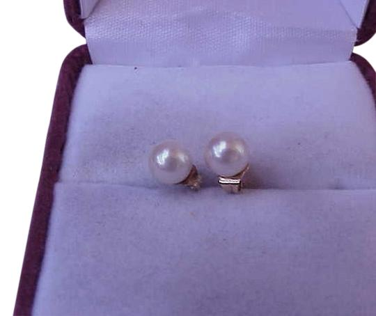 Preload https://img-static.tradesy.com/item/14892793/estate-14k-solid-yellow-gold-freshwater-pearl-studs-earrings-0-1-540-540.jpg