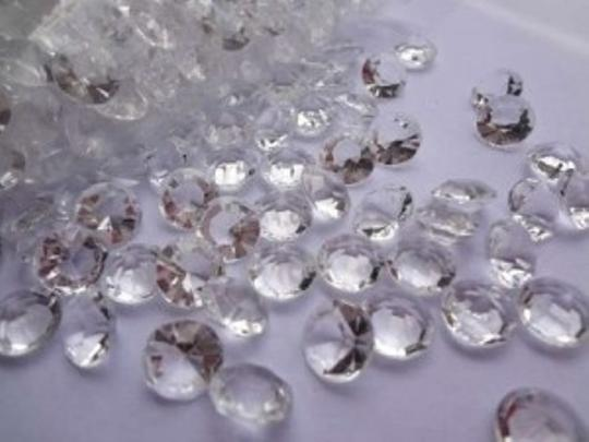 Clear 500- Diamond Scatter Pieces Reception Decoration