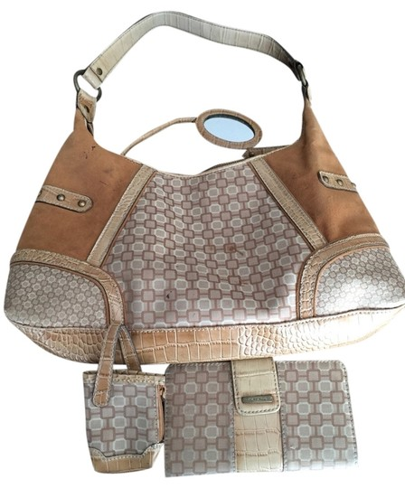 Preload https://img-static.tradesy.com/item/1489311/nine-west-tan-man-made-shoulder-bag-0-0-540-540.jpg