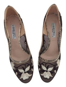 Pookie and Sebastian Black /Ivory/Beige Pumps