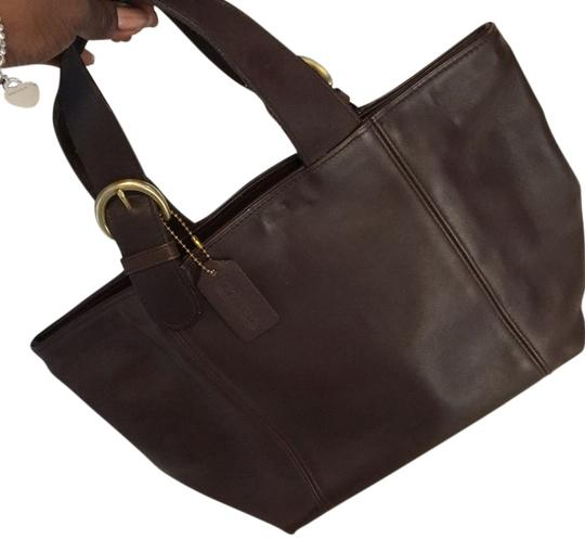 Preload https://item2.tradesy.com/images/coach-chocolate-brown-leather-tote-14894161-0-1.jpg?width=440&height=440