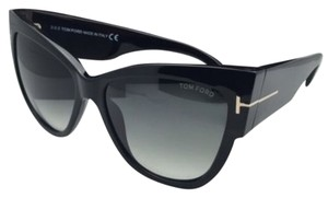 Tom Ford New TOM FORD Sunglasses ANOUSHKA TF 371 01B 57-16 Black Frames w/ Grey Gradient Lenses