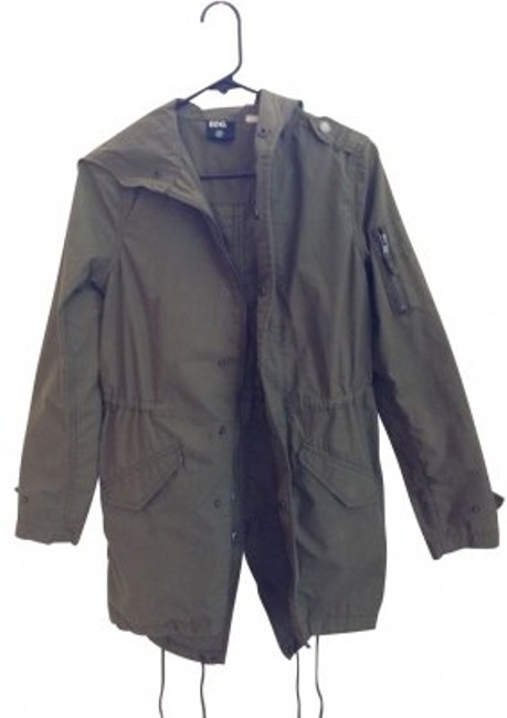 Preload https://img-static.tradesy.com/item/14895/bdg-green-surplus-hooded-from-miltary-jacket-size-2-xs-0-0-650-650.jpg