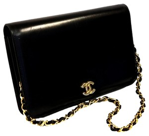 Chanel Quilted Maxi Caviar 2.55 Shoulder Bag