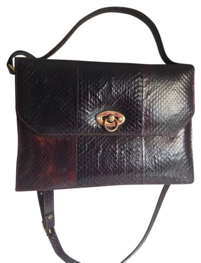 Preload https://img-static.tradesy.com/item/1489833/true-vintage-python-clutch-satchel-brown-snakeskin-shoulder-bag-0-0-540-540.jpg