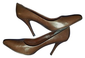 Maripé Chocolate brown Pumps
