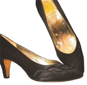Salvatore Ferragamo Silk Evening Cocktail black Pumps