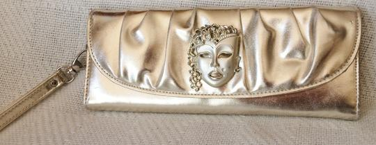 Other Vintage-looking Clutch Mask Embellishment Wristlet in Light gold metallic