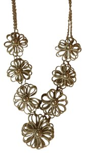 Unknown Adorable flower statement knecklace