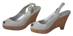 Banana Republic white Wedges