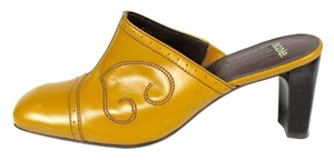 Nicole Caramel Light Brown Butterscotch Embroidered Mules