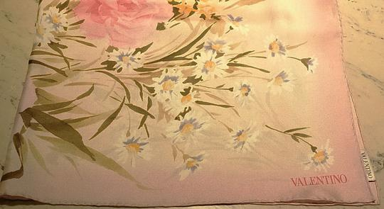 Valentino New Couture Silk Twill Foulard Scarf Wrap In Rose Pink Floral For Luxury Bridal Gift Spring Summer Wedding New Feminine Bridesmaid/Mob Dress Size OS (one size)