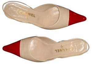 Chanel red and beige Pumps