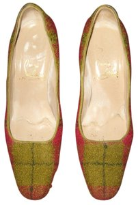 Christian Louboutin Classic Boucle Plaid Tartan Size 6 Vintage Red / Green Pumps