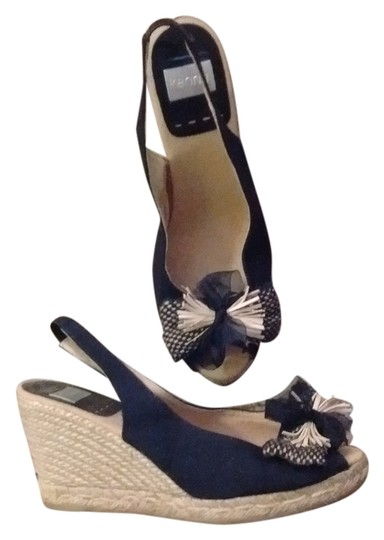 Preload https://item2.tradesy.com/images/kanna-black-fabric-with-neutral-tan-rope-fabric-wedges-size-us-8-regular-m-b-14904886-0-2.jpg?width=440&height=440