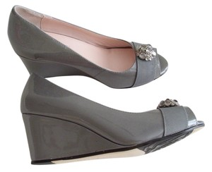 Taryn Rose Wedge Size 8 Gray Wedges