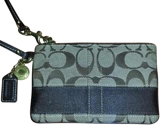 Preload https://item5.tradesy.com/images/coach-brown-multi-wristlet-14908054-0-1.jpg?width=440&height=440