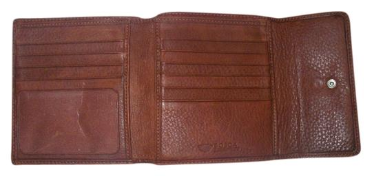 Preload https://item4.tradesy.com/images/bosca-rust-brown-leather-trifold-wallet-1491053-0-0.jpg?width=440&height=440