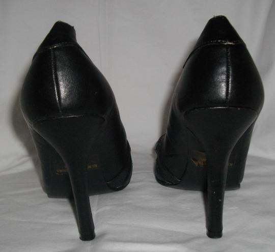 Forever 21 Pointed Toes Black Pumps