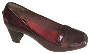 Mootsies Tootsies Plum Pumps