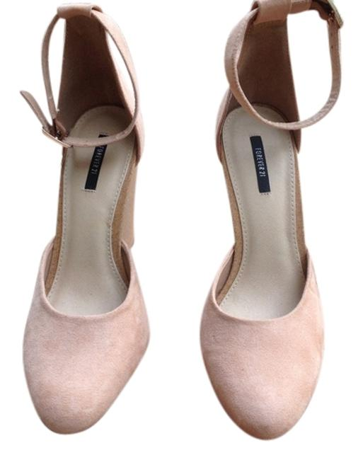Item - Blush Faux Suede Wedges Size US 8 Regular (M, B)