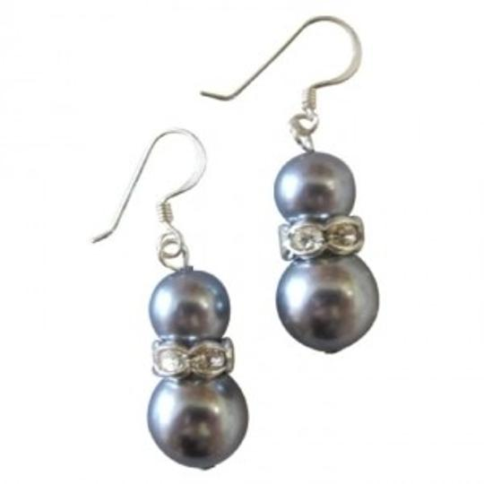 Preload https://item3.tradesy.com/images/grey-valentine-gift-pearls-custom-your-earrings-149147-0-0.jpg?width=440&height=440