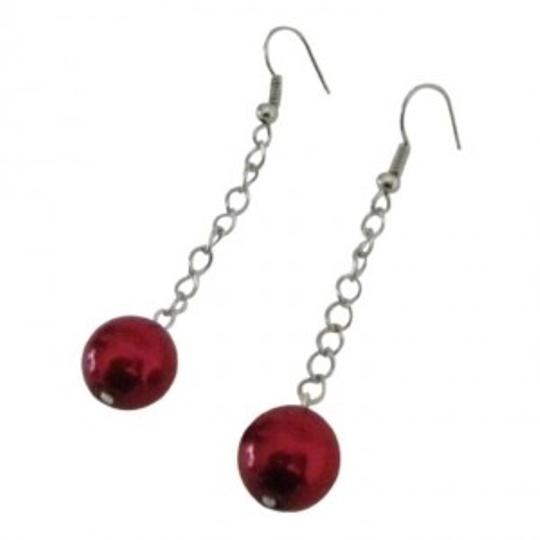 Preload https://item1.tradesy.com/images/red-valentine-christmas-striking-pearls-dangling-earrings-149165-0-0.jpg?width=440&height=440