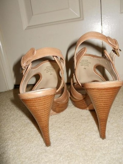 Joan & David Leather tan Sandals