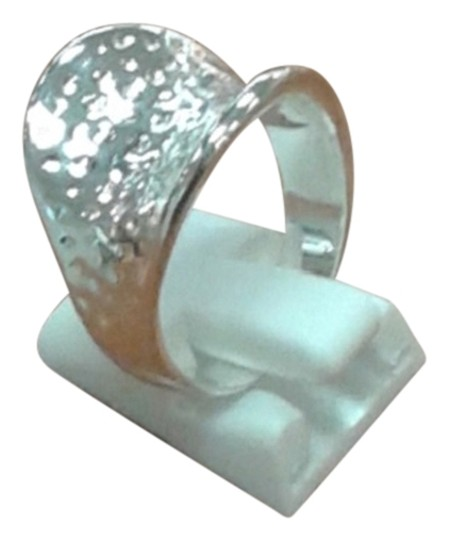 Preload https://item3.tradesy.com/images/silver-925-sterling-hammered-thumb-size-8-ring-1491867-0-0.jpg?width=440&height=440