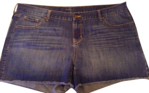 Old Navy Shorts Wiskered denim shorts
