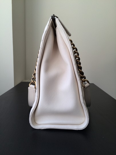 3bfe19739d46 Chanel Leather Chain Strap Tote in Ivory Image 3