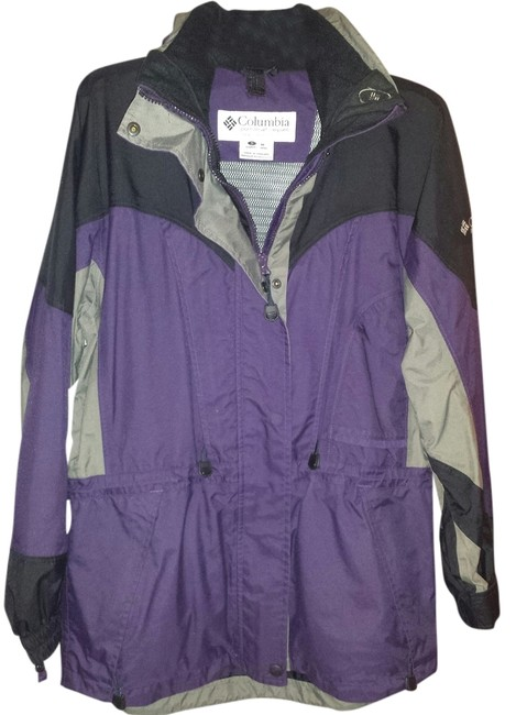 Columbia Sportswear Company Weather Proof Front Zip And Snap Closure Tons Of Pockets Can Wear A Turtleneck And Sweater Underneath And Adjust To Of Coat
