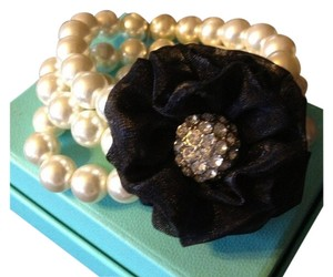 Pretty Pearl Flower Bracelet