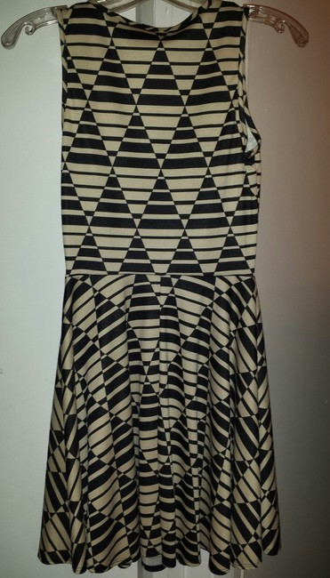 Soprano short dress Black/tan print Or Great For Travel Non Wrinkle Tank Top Fit Flared Skirt on Tradesy