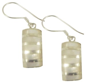 Island Silversmith Island Silversmith White Mother of Pearl (MOP) 925 Sterling Silver Earrings 0701B *FREE SHIPPING