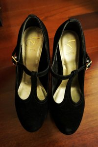 Armand Ventilo Black Pumps