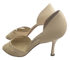 Manolo Blahnik Light yellow Pumps