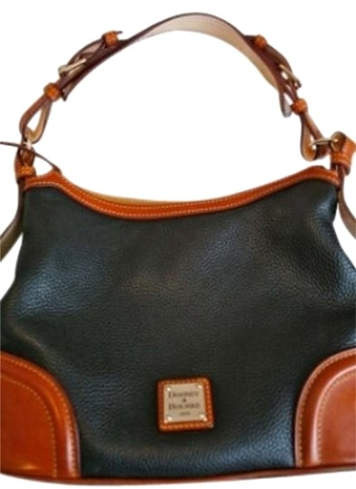 Preload https://item5.tradesy.com/images/dooney-and-bourke-black-leather-shoulder-bag-149249-0-0.jpg?width=440&height=440