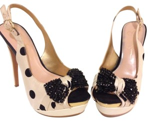 Jessica Simpson Beige and Black Platforms