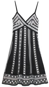 Catherine Malandrino Detailed Embroidered V-neck Dress