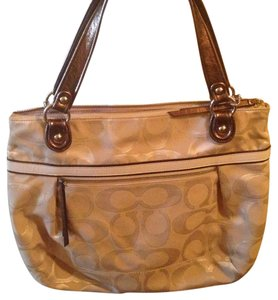 Coach Tote in Tan/bronze