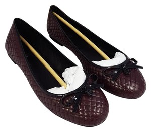 MICHAEL Michael Kors Quilted Leather Bow Logo Merlot & Black Flats