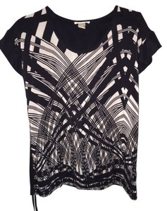 Gold Hawk Short Sleeve Print Top black and white
