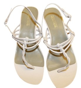 Kenneth Cole Reaction Classic Sandal Beach Vacation White Wedges