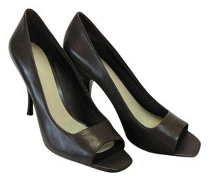 Nine West Leather Size 9.00 M Very Good Condition Brown Pumps