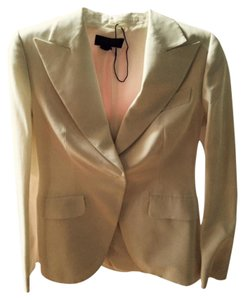 Escada WORN ONCE LIKE NEW BEAUTIFUL WHITE ESCADA JACKET